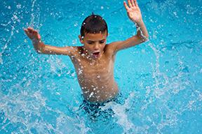 Nieuwjaarsduik-zwembad-staphorst